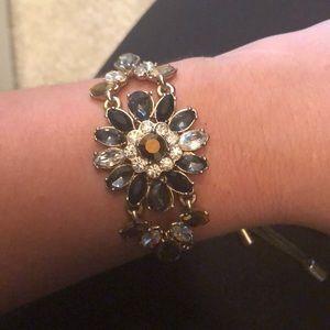 Floral pull bracelet